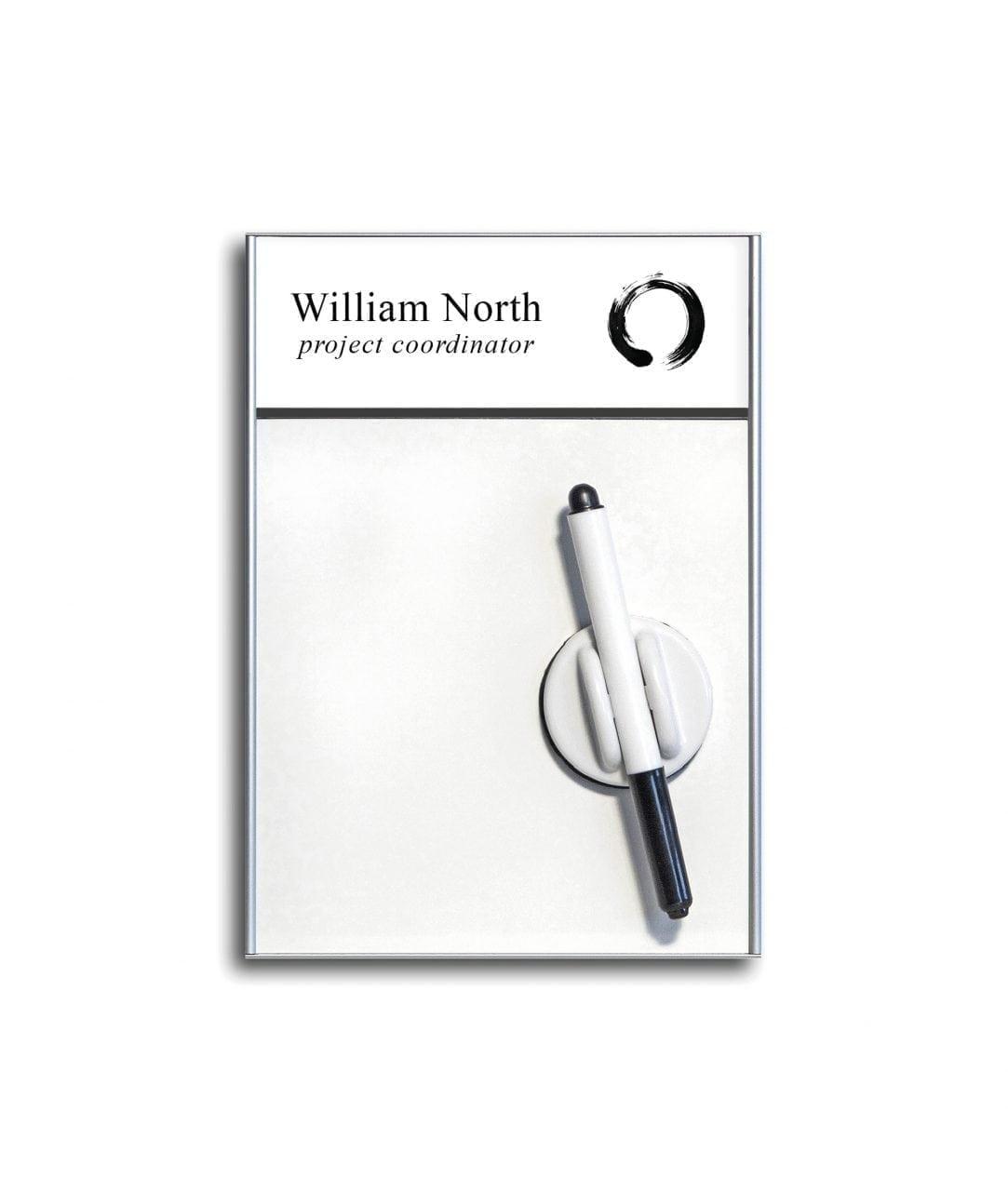 Skylt med avdelare, utbytbart instick och whiteboard – SLIM (WB986)
