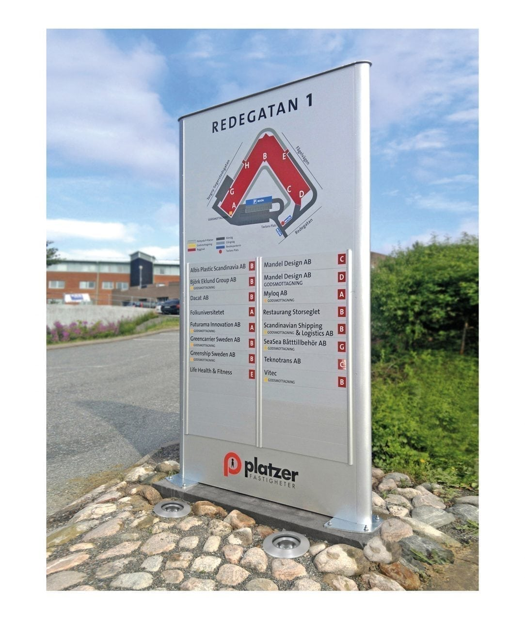 Pylon sign with slide-down sign rows – TOTEM (TM219)
