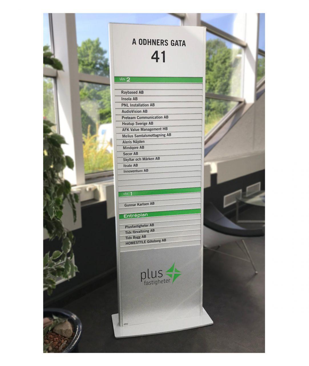 Plan pylonskylt, inomhus – TOTEM (TM254)